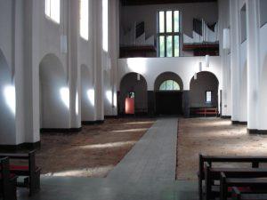 Kirche leer 01